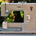 3 Best Mechanical Sewing Machines (According To Sewing Experts)